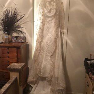 Lace Sleeved Wedding Dress Jacket